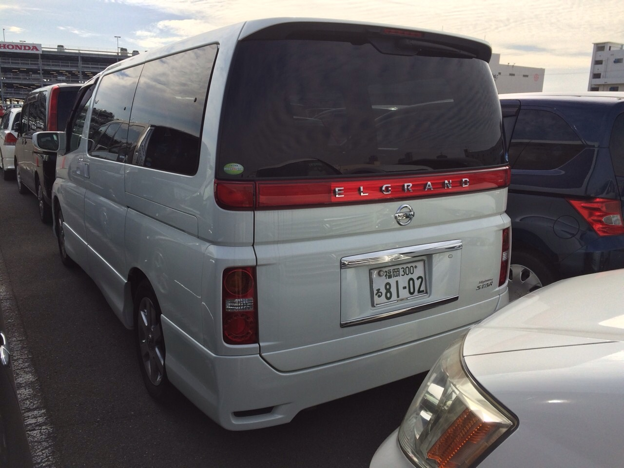 2005 Nissan Elgrand E51 3.5L 2WD Highway Star 8-seater rear