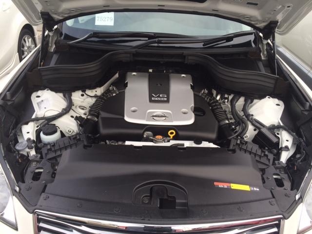 2013 Nissan Skyline Crossover 370GT Premium engine