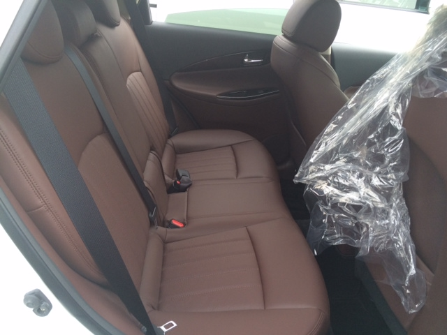 2013 Nissan Skyline Crossover 370GT Premium back seat