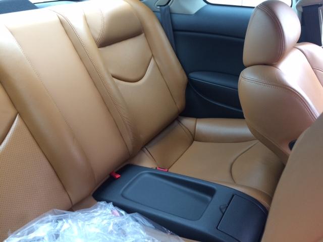 2010 Nissan Skyline V36 coupe rear seats
