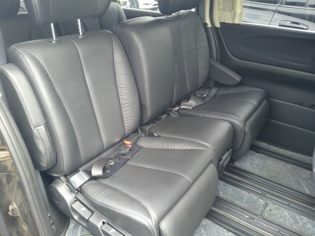 2010 Nissan Elgrand E51 rear seats