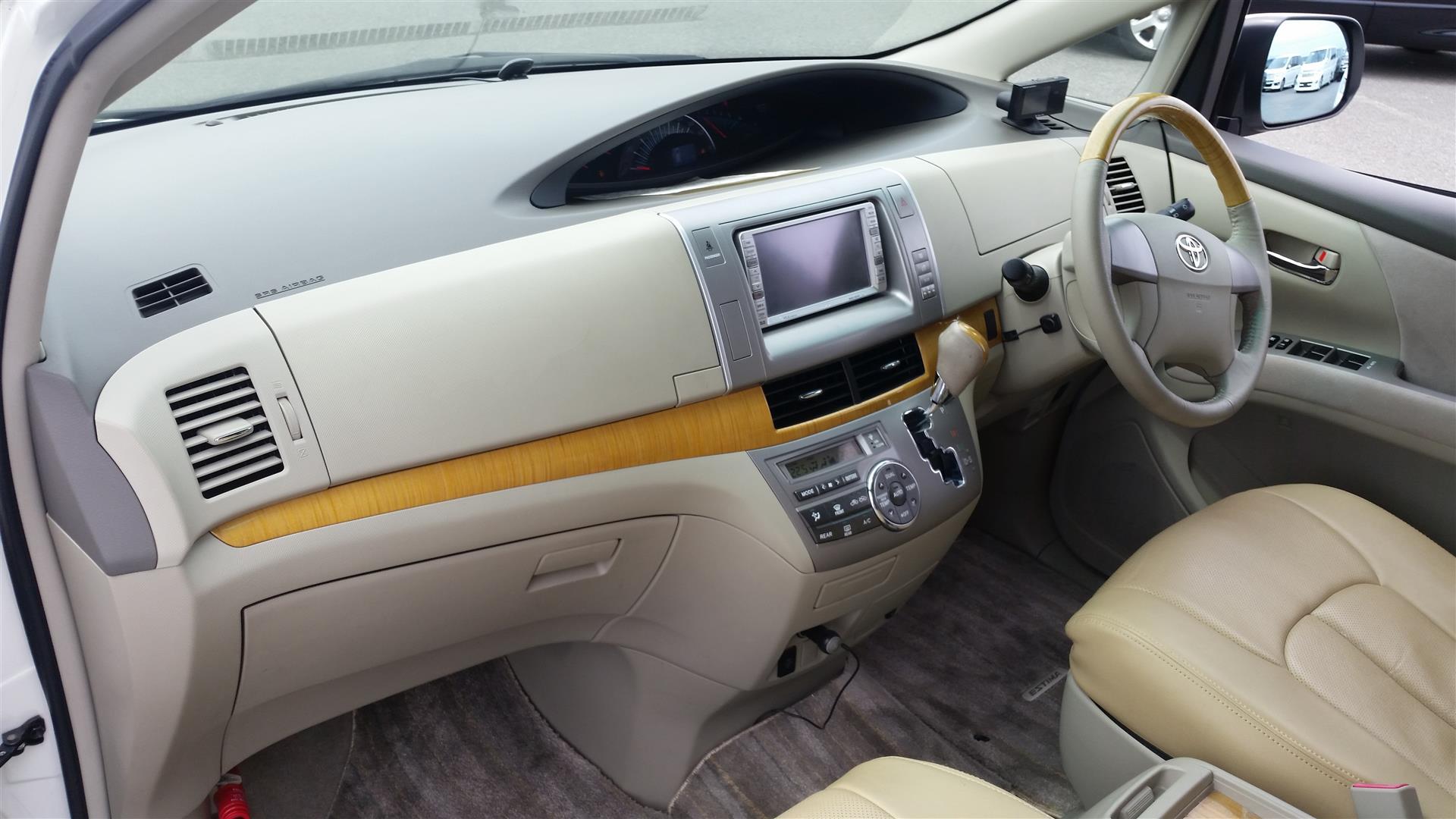 2008 Toyota Estima interior