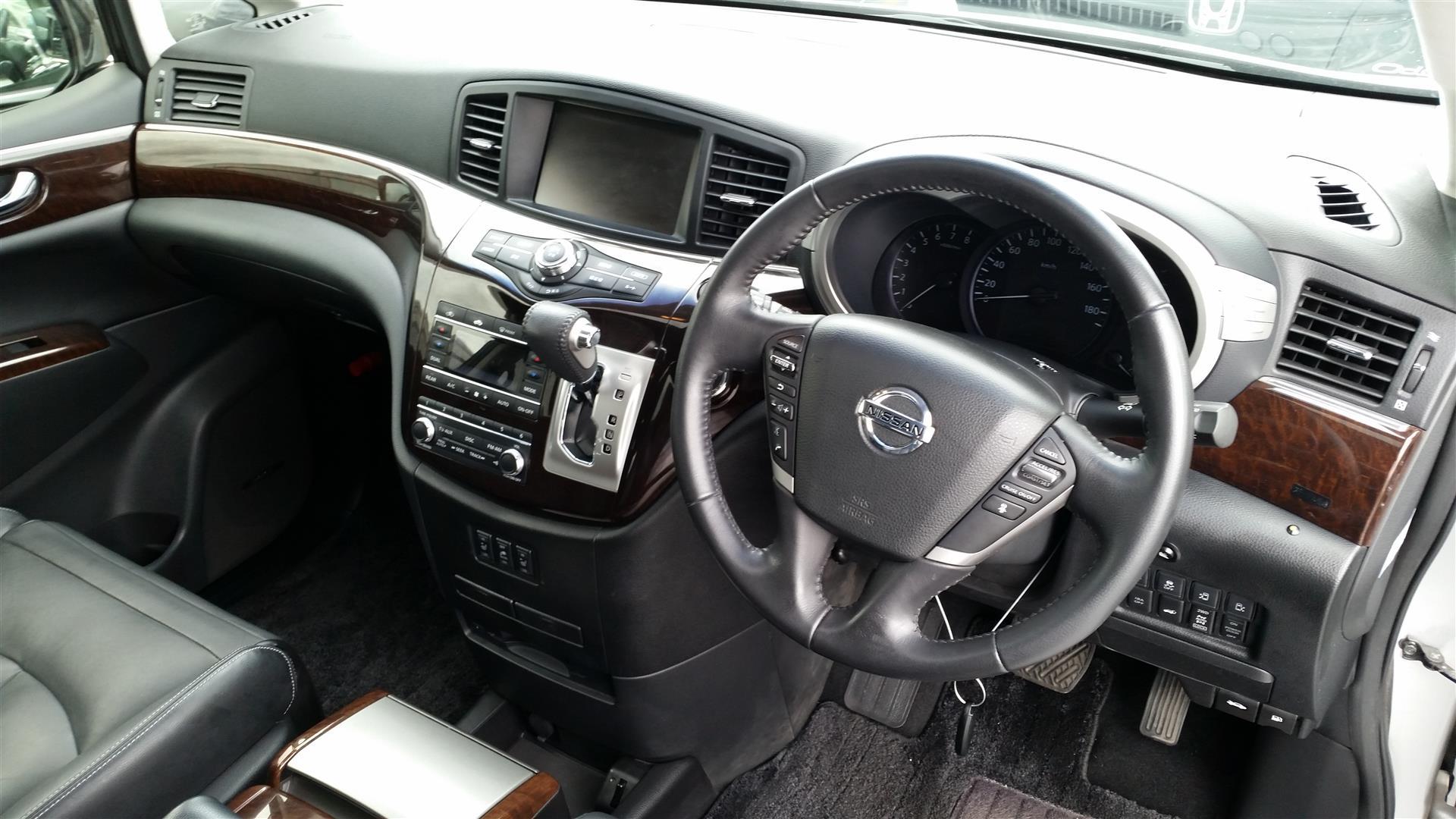 2012 Nissan Elgrand E52 20150627_143247 (Large)
