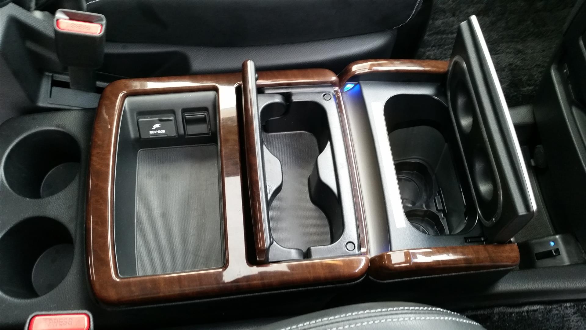 2012 Nissan Elgrand E52 20150627_143511 (Large)