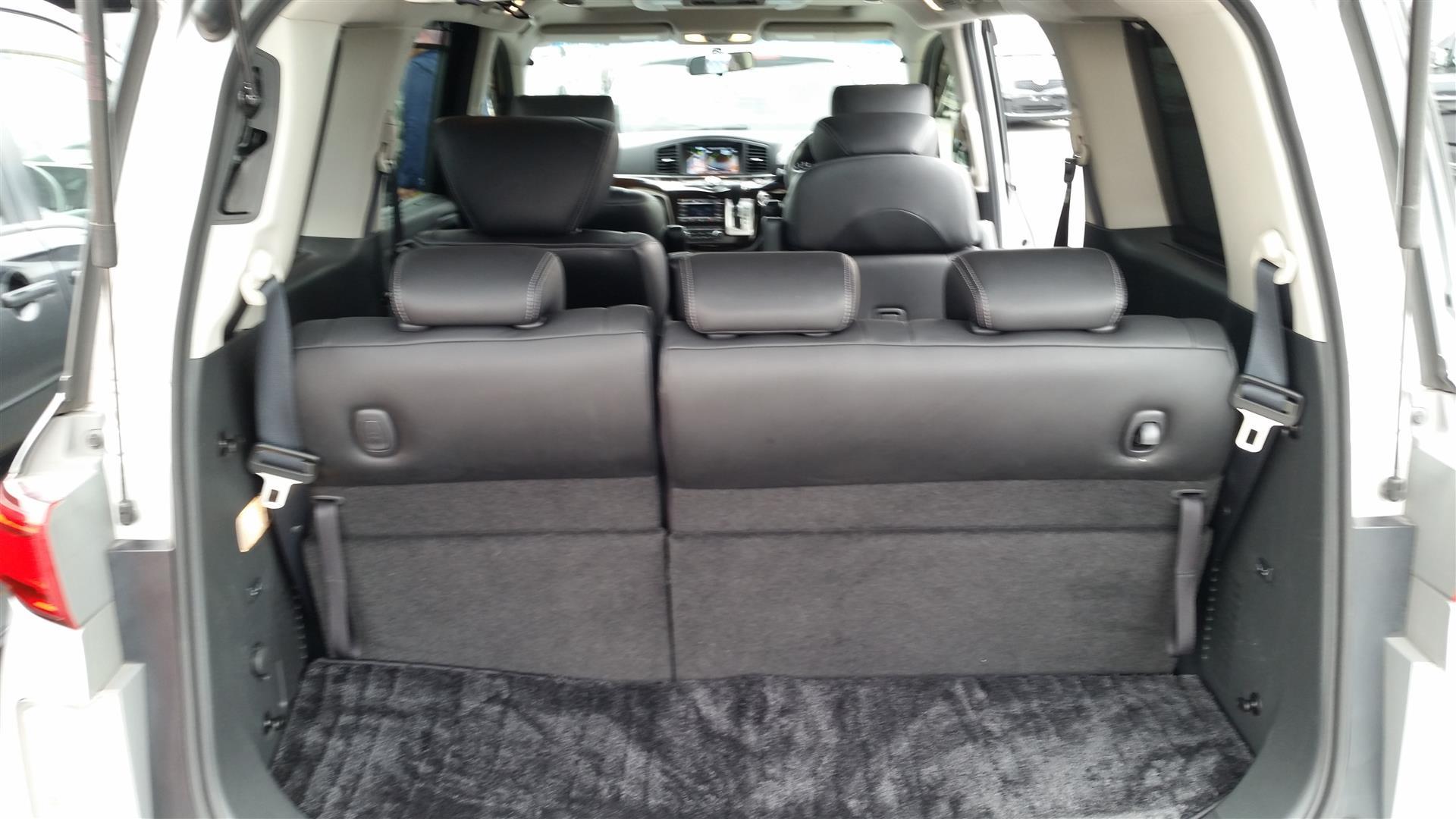 2012 Nissan Elgrand E52 20150627_143806 (Large)