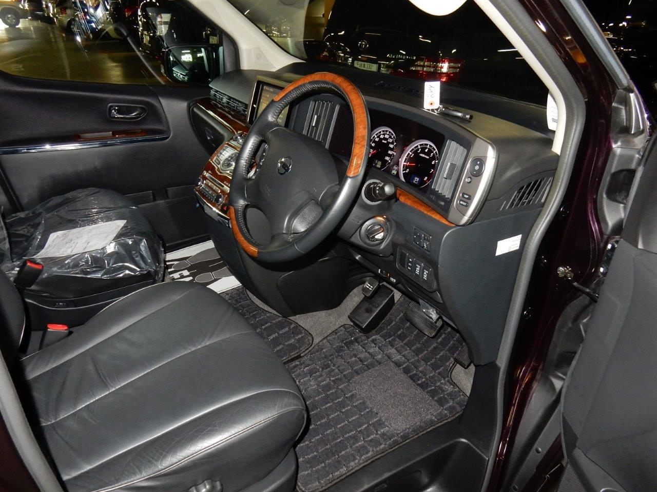 2009 Nissan Elgrand NE51 interior