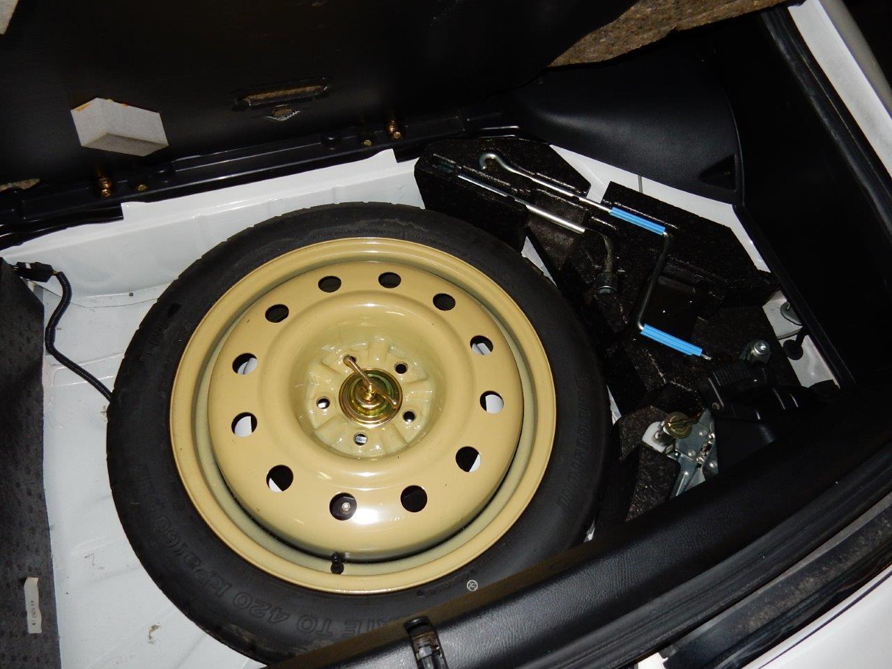 1998 Toyota Supra SZ AEROTOP spare wheel
