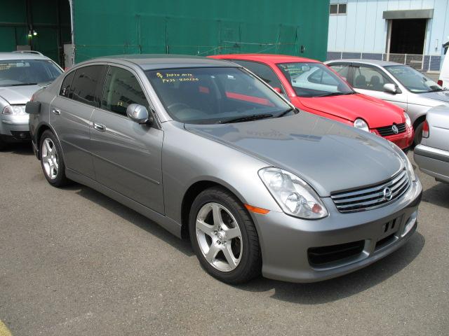 2003 Nissan Skyline V35 350GT-8 Premium sedan front
