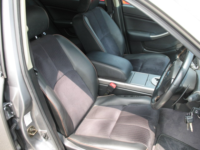 2003 Nissan Skyline V35 350GT-8 Premium sedan interior