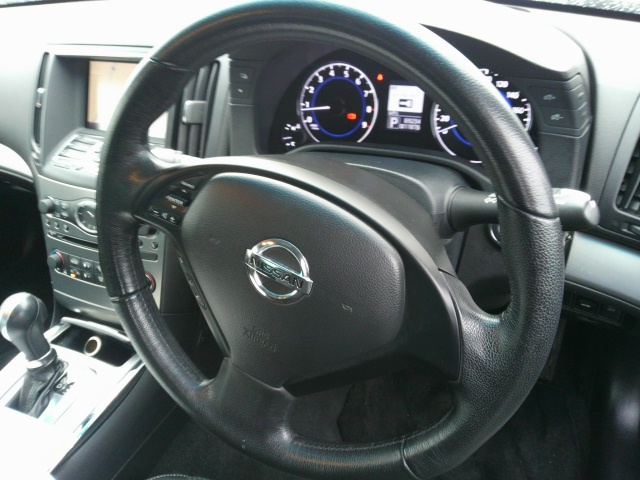 2010 Nissan Skyline V36 coupe steering wheel