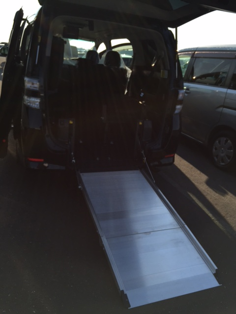 2012 Toyota Vellfire Welcab Sloper ramp 3