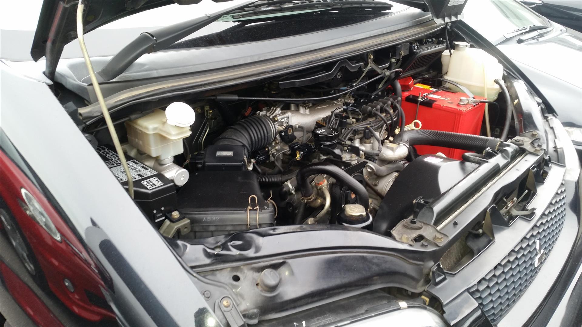 2003 Mitsubishi Delica PD6W Chamonix 7-seater 12
