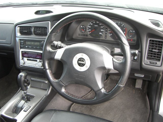 1997 Nissan Stagea RS-4 V 4WD turbo steering wheel