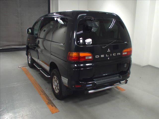 2003 Mitsubishi Delica PD6W Chamonix 7-seater 20
