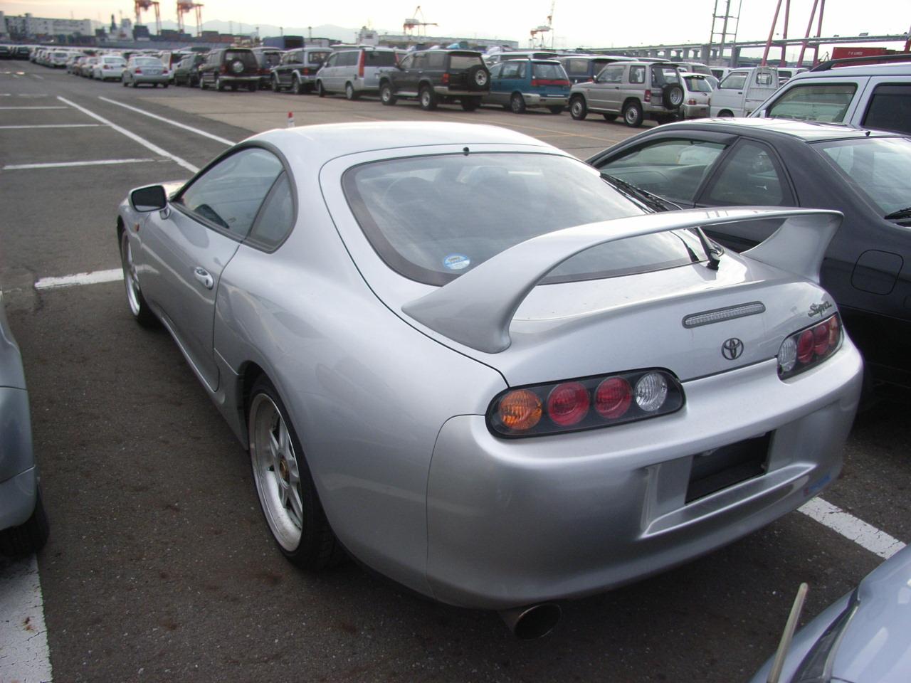 1995 Toyota Supra RZ-S 3L twin turbo rear