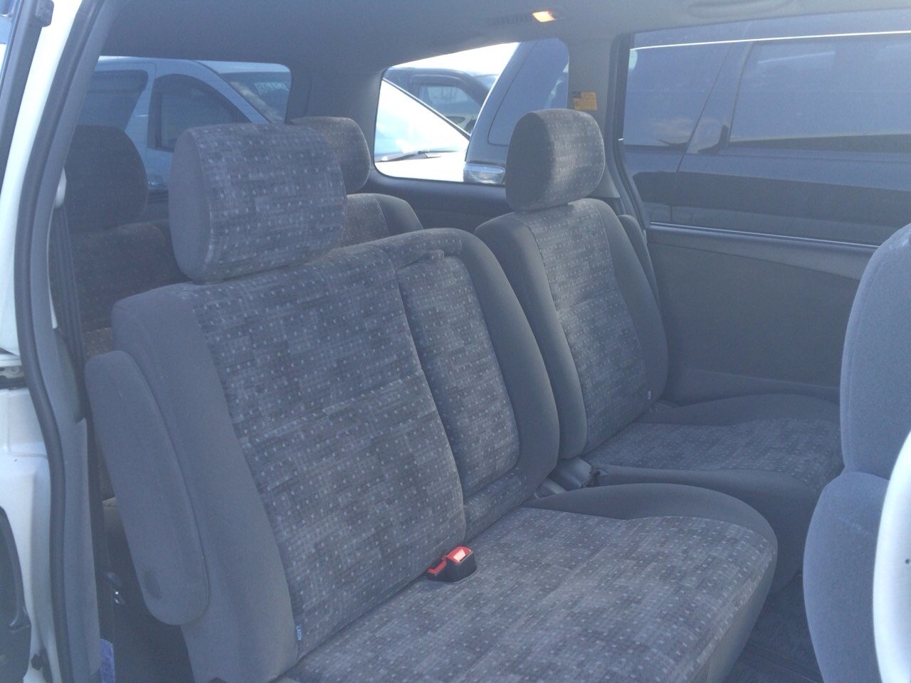 2005 Toyota Estima 3L 2WD 7 seater back seat