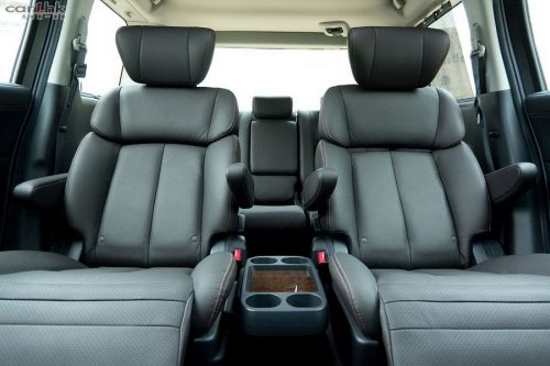 Nissan Elgrand E52 interior grey