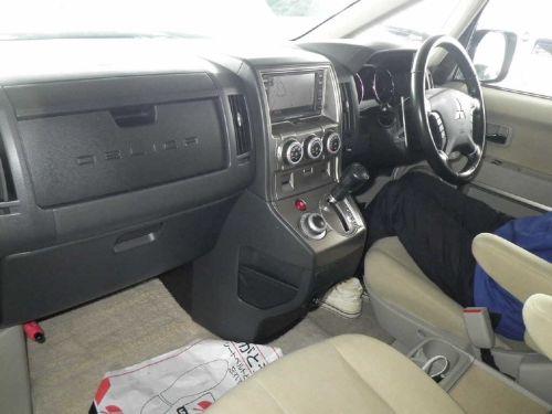 2007 Mitsubishi Delica D5 21