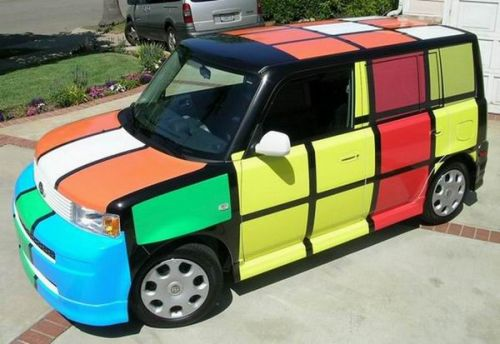 Nissan Cube Z11 Rubik cube