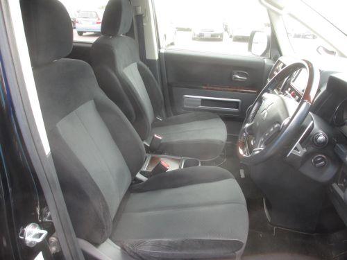 2009 Mitsubishi Delica D5 4WD interior