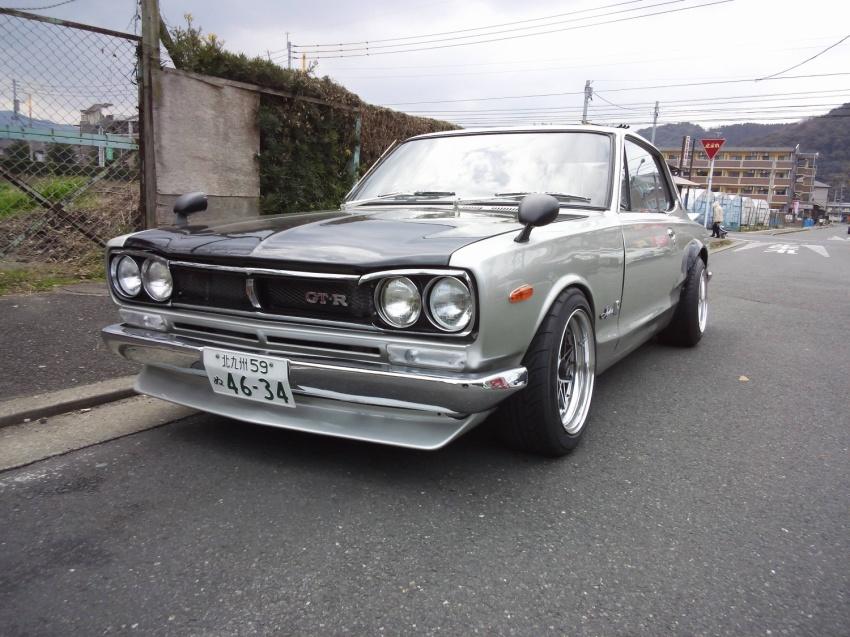 1972 Nissan Skyline KGC10 2000GT coupe GTR replica front