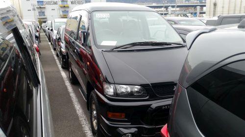 2003 Mitsubishi Delica PD6W Chamonix 7-seater front