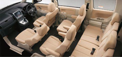 Mitsubishi Delica D5 interior 2