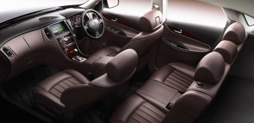 Nissan Skyline Crossover interior burgundy leather