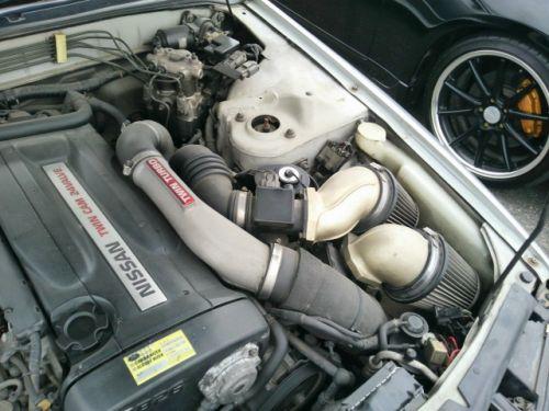 1992 Nissan Skyline R32 GTR silver air pods