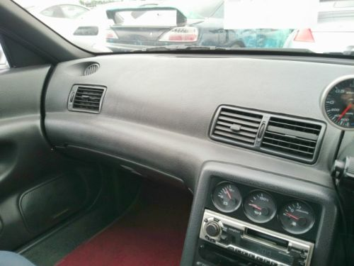 1992 Nissan Skyline R32 GTR silver dash