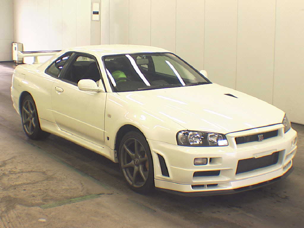2002 Nissan Skyline R34 GT-R VSPEC2 NUR auction front right