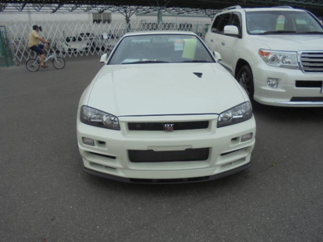 2002 Nissan Skyline R34 GT-R VSPEC2 NUR front