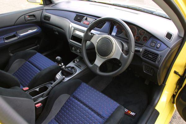 2004 mitsubishi lancer evo 8 yellow interior