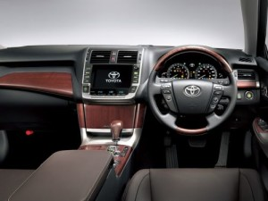 2009 Toyota Crown Majesta interior 6