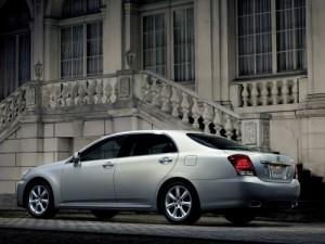 2009 Toyota Crown Majesta silver