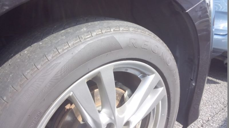 2010 Nissan Elgrand E52 4WD tyres