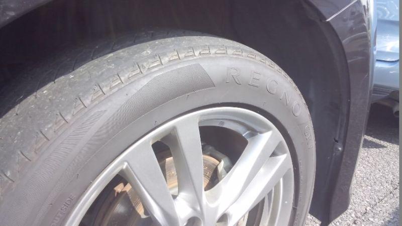 2010 Nissan Elgrand E52 4WD tyres