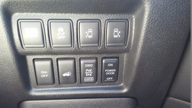 2010 Nissan Elgrand E52 4WD equipment 2