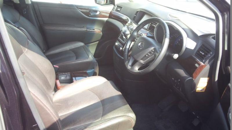 2010 Nissan Elgrand E52 4WD front seat
