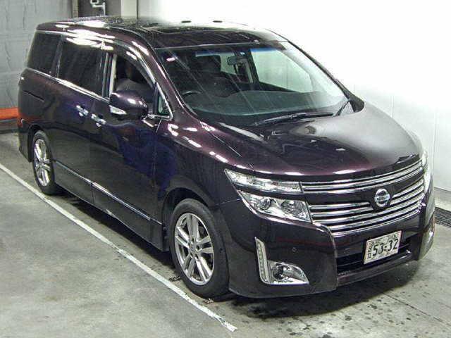 2010 Nissan Elgrand E52 4WD front