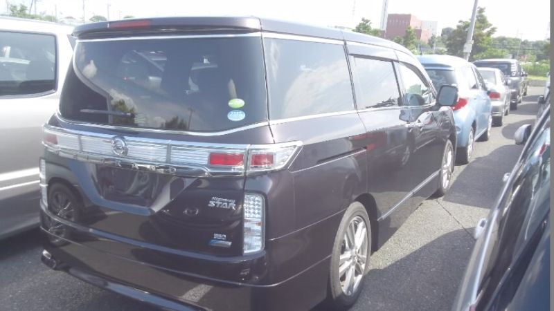 2010 Nissan Elgrand E52 4WD right rear