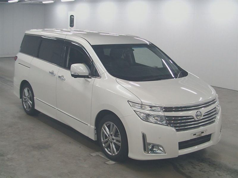 2011 Nissan ELgrand Highway Star Premium 350 4WD auction front
