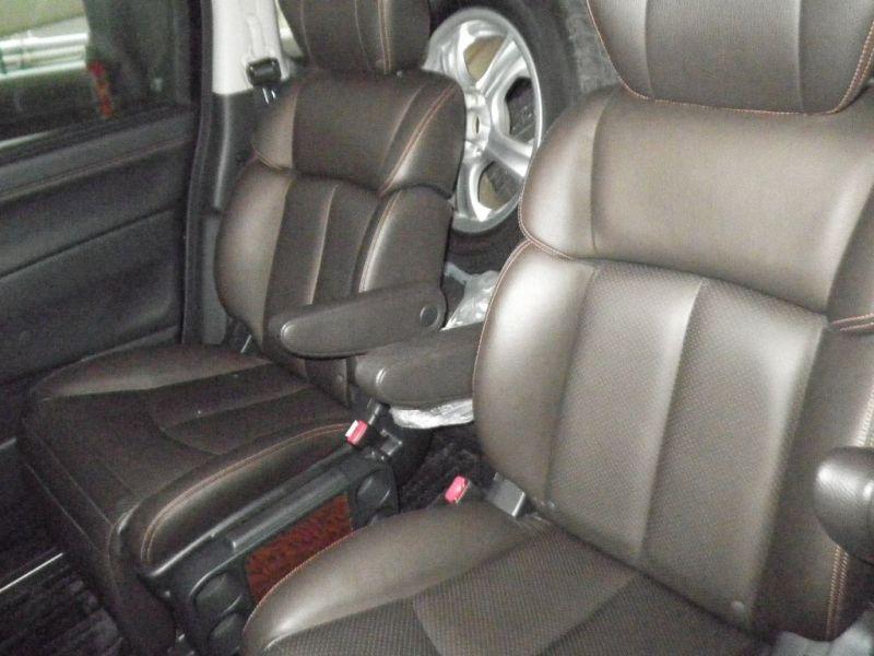 2011 Nissan Elgrand E52 Highway Star Premium 350 4WD interior 2