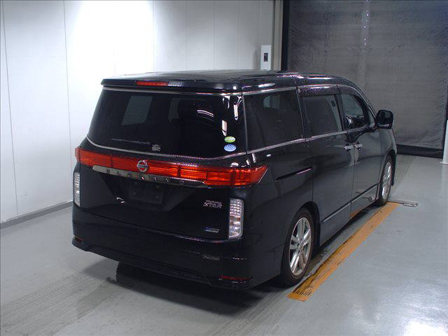 2011 Nissan Elgrand Highway Star Premium 350 4WD black auction rear 2