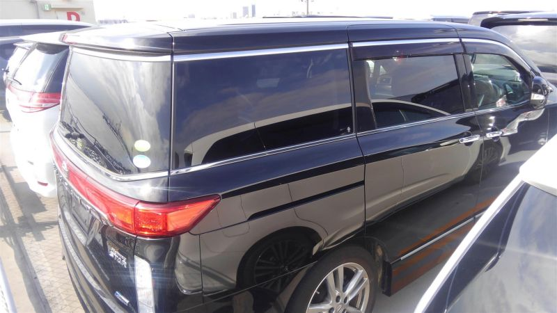 2011 Nissan Elgrand Highway Star Premium 350 4WD black right rear