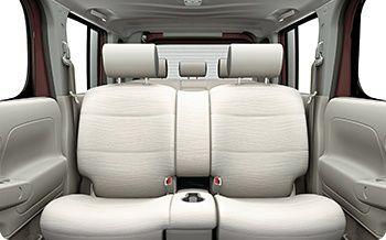 Nissan Cube Z12 interior 4