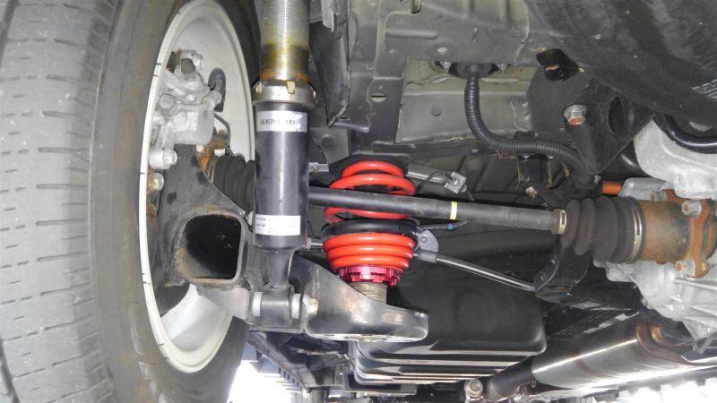 2012 Toyota Vellfire Hybrid ZR suspension 1