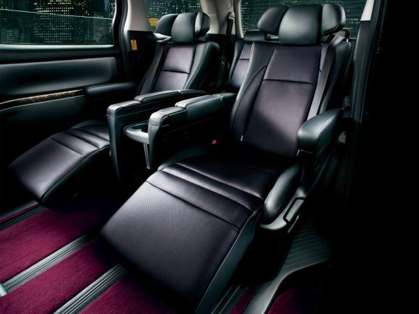 Toyota Vellfire Hybrid ZR Premium Seat Edition (ATH20W) 2012–15