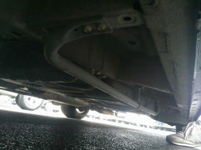 2010-nissan-elgrand-e52-highway-star-350-2wd-underbody-6