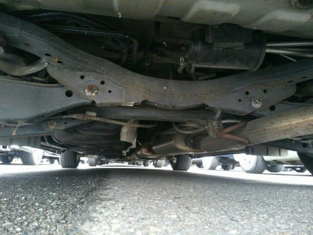 2010-nissan-elgrand-e52-highway-star-350-2wd-underbody-8